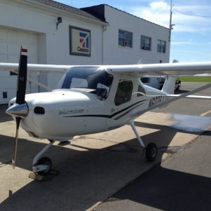 Introductory Flight Lesson In A 2-seat Cessna 162 Skycatcher
