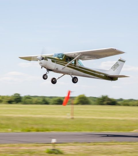 Introductory Flight Lesson In A 2-seat Cessna 152