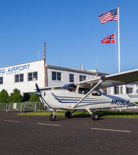 30-Minute Flight Lesson In A 4-Seat Cessna 172
