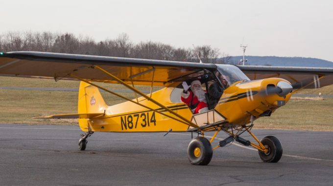 Santa Fly-In Rescheduled To Sunday, December 16, 2018!