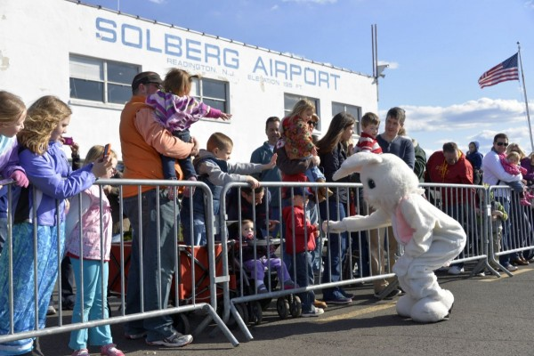 Solberg Easter 2013 Bunny Crowd 2